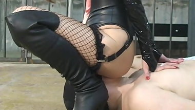 Japanese femdom Takakura face sitting and face slap