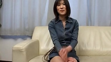 Brunette japanese hoe has fun chatting
