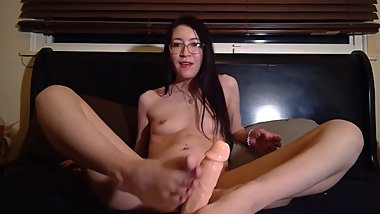 Tiny Asian Teen Footjob & Handjob GFE - Liz Lovejoy lizlovejoy.manyvids.com
