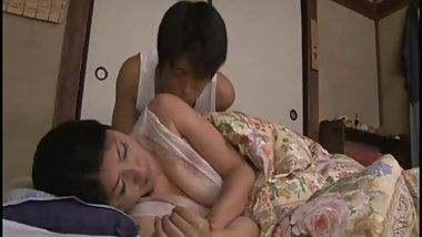 Japanese Hot Sleeping Mom