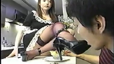 Japanese maid food crush and heels feeding