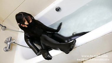 follpw our tw@:fetishslavestudio Latex girl s private life 4