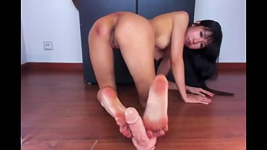 LSG asian girl footjob